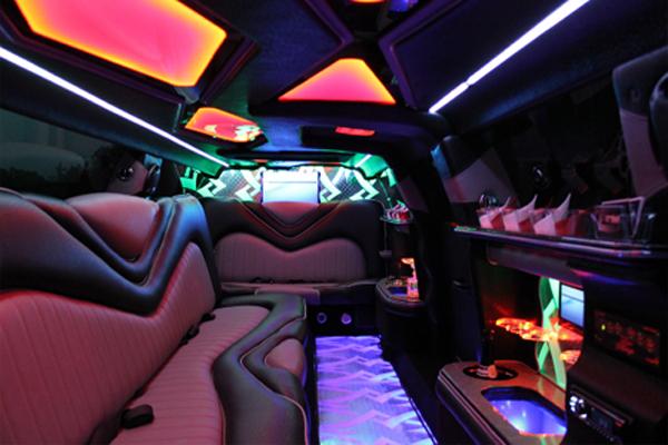 8 Person Chrysler 300 Limo Rental Jacksonville